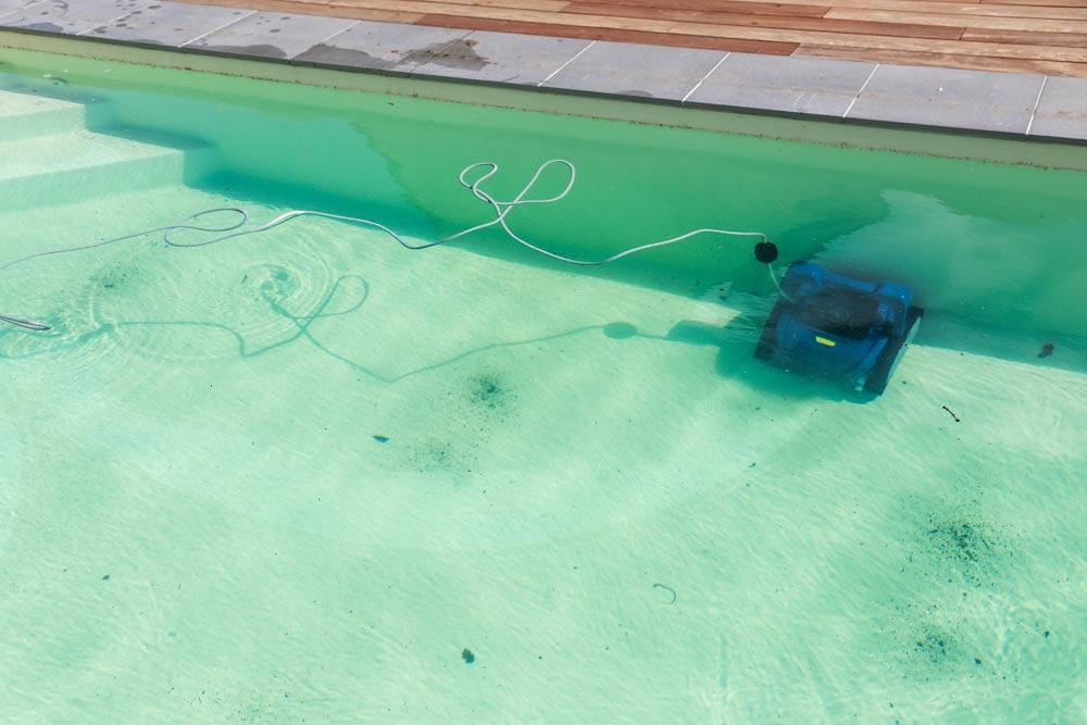 Pourquoi acheter un robot pour votre piscine ?